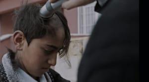 Berlin Film Festivali'nin Panorama bölümünde yarışacak Okul Tıraşı filminde fragman yayınlandı