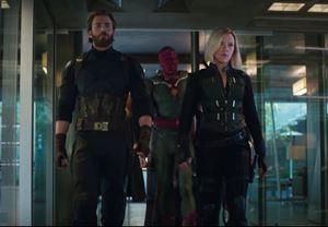 Merakla beklenen Avengers: Infinity War'dan yeni görüntüler yayınlandı