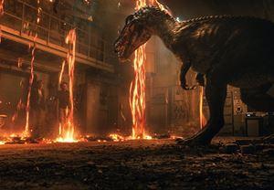 Chris Pratt ile Bryce Dallas Howard'ın başrollerinde yer aldığı Jurassic World: Yıkılmış Krallık'tan yeni fragman!