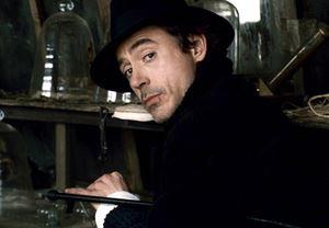 Robert Downey Jr., Sherlock Holmes 3 için ısrarcı!