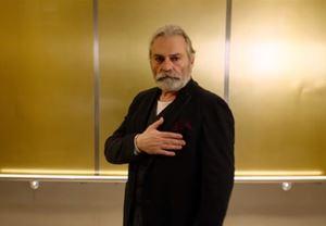 Haluk Bilginer'in oyuncu kadrosunda yer aldığı Eski Kocam(ız) filminden Türkçe altyazılı fragman yayınlandı
