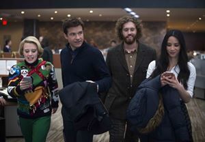Office Christmas Party filminden fragman yayınlandı!