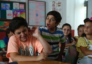 Box Office Türkiye: Bizim Köyün Şarkısı, 165 bin seyirciyle açılışını gişenin zirvesinde gerçekleştirdi