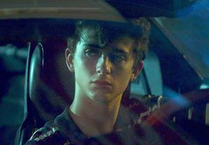 Timothée Chalamet'nin başrolünde yer aldığı Hot Summer Nights'tan fragman yayınlandı