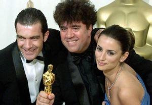 Pedro Almodóvar, yeni filmi Dolor y gloria için Penélope Cruz ve Antonio Banderas ile yeniden bir araya geliyor!