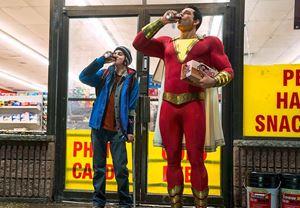 Zachary Levi'nin başrolünde yer aldığı Shazam!'dan ilk görüntü yayınlandı