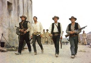 Mel Gibson, western klasiği The Wild Bunch'ın yeniden çevrimini yazıp yönetecek