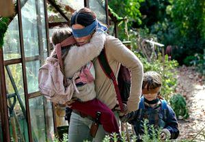 Sandra Bullock'un başrolünde yer aldığı Bird Box filminden fragman yayınlandı