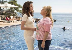 Anne Hathaway ve Rebel Wilson'ın başrolleri paylaştığı The Hustle'dan fragman yayınlandı
