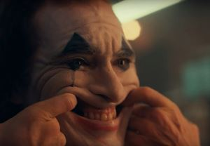 Joaquin Phoenix'in başrolünde yer aldığı Joker filminden ilk fragman yayınlandı