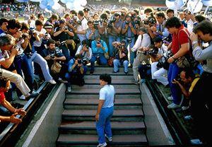 Senna ve Amy belgesellerinin yönetmeni Asif Kapadia imzası taşıyan Diego Maradona belgeselinden teaser yayınlandı