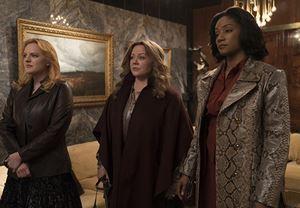 Melissa McCarthy, Tiffany Haddish ve Elisabeth Moss'un başrolleri paylaştığı The Kitchen'dan ilk fragman!