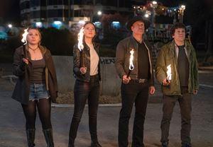 Emma Stone, Jesse Eisenberg ve Woody Harrelson'ın rollerine geri döndüğü Zombieland: Double Tap filminden ilk fragman!