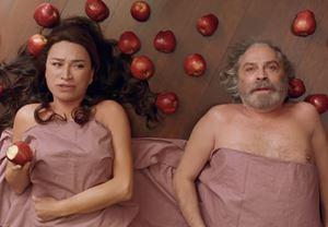 Ezel Akay'ın oyuncu kadrosunda Haluk Bilginer, Demet Akbağ ve Elçin Sangu'nun yer aldığı yeni filmi 9 Kere Leyla'dan fragman!