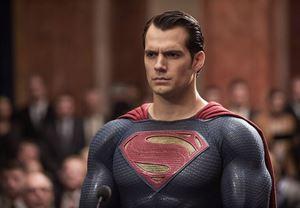 Henry Cavill, önümüzdeki DC filmlerinde Superman rolüne geri dönebilir!