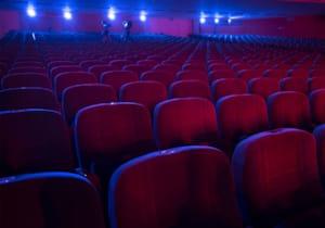 Sinemalar yıl sonuna kadar kapatıldı