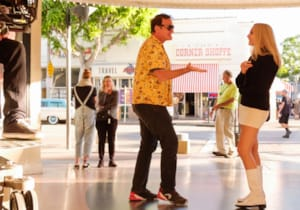 Quentin Tarantino, biri Once Upon a Time in Hollywood romanı olmak üzere iki kitap yazıyor