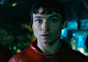 Michael Keaton'ın Batman'i The Flash'ın ilk tanıtımda geri döndü