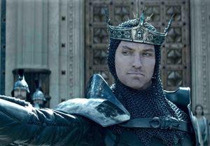 Kral Arthur: Kılıç Efsanesi'nden yeni görüntüler yayınlandı