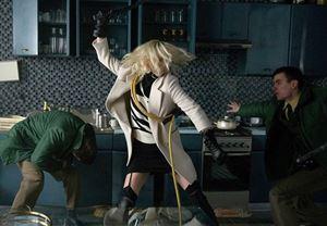 Charlize Theron'lu Atomic Blonde'un fragmanı yayınlandı