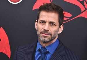 Zach Snyder, aile trajedisi sonrası Justice League'in yönetmenliğinden çekildi, filmin kalanını Joss Whedon tamamlayacak