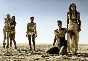 """Charlize Theron: """"Mad Max: Furiosa'nın senaryosu hazır!"""""""