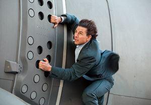 Tom Cruise'un sette yaralanması sonrası Görevimiz Tehlike 6'nın çekimleri durduruldu