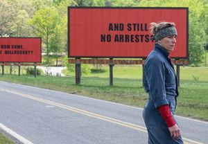 Martin McDonagh'ın övgüyle karşılanan yeni filmi Three Billboards Outside Ebbing, Missouri'den fragman!