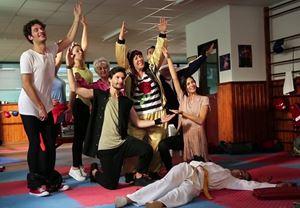 Burak Aksak'ın yeni filmi Sen Kiminle Dans Ediyorsun?'un vizyon tarihi belli oldu