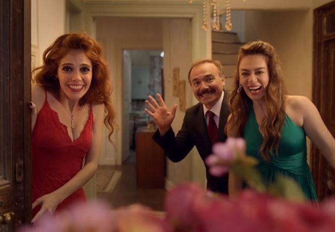 Engin Günaydın ve Demet Evgar'ın başrolünde yer aldığı Aile Arasında filminden fragman!