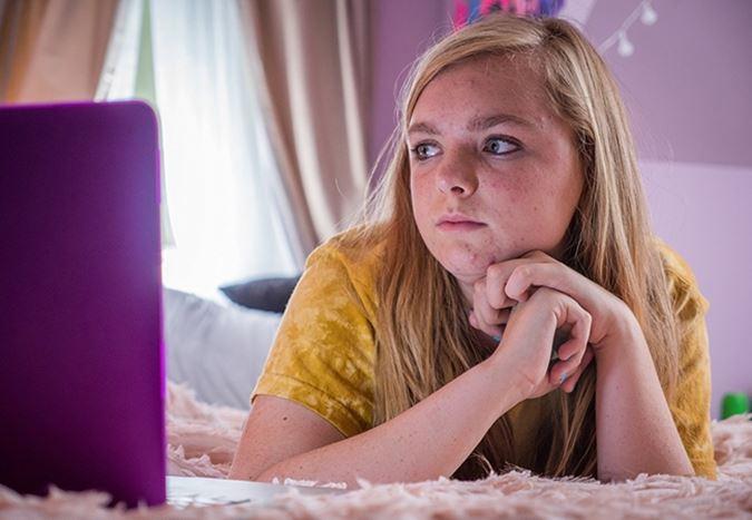 Sundance'te öne çıkan filmlerden biri olan Eighth Grade'in fragmanı yayınlandı