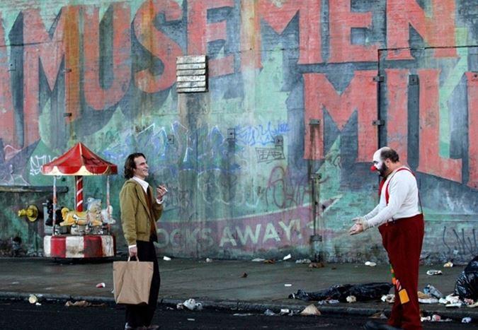 Joaquin Phoenix'li Joker filminden ilk görseller yayınlandı