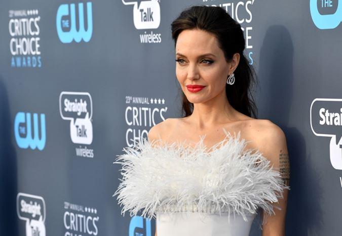 Angelina Jolie, Marvel Sinematik Evreni'ne dahil olmaya hazırlanıyor