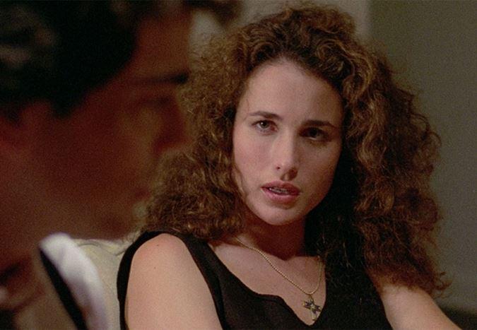 Steven Soderbergh, karantina sürecinde Sex, Lies, and Videotape'in devam filminin senaryosunu tamamladı