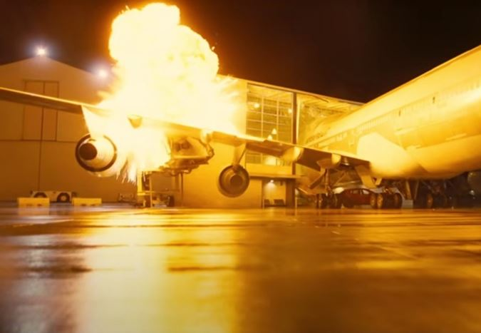 Christopher Nolan'ın yeni filmi Tenet için gerçek bir Boeing 747 patlatılmış