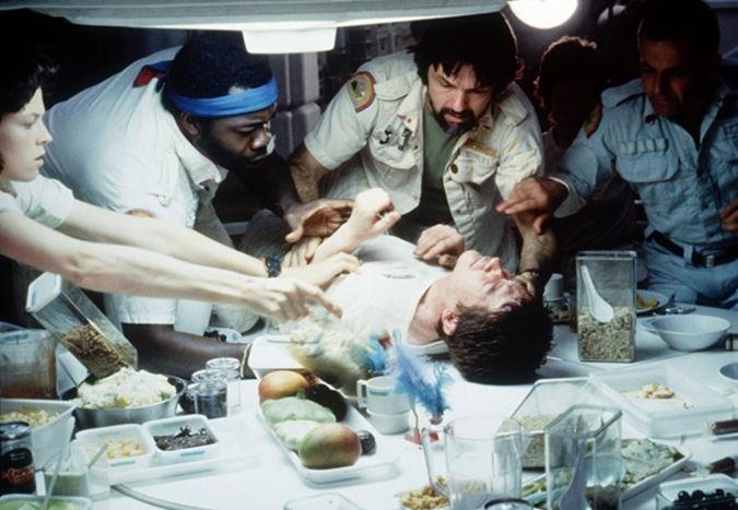 Ridley Scott, Alien'ı izledikten sonra kendisini arayan Stanley Kubrick'in merakını anlattı