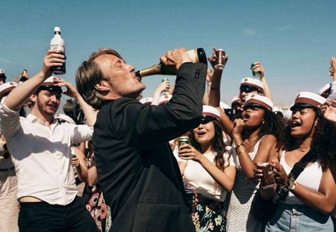 Cannes seçkisinde yer alan Mads Mikkelsen'li Druk filminden fragman yayınlandı