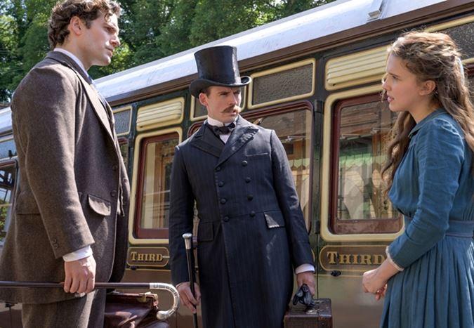 Millie Bobby Brown ve Henry Cavill'in başrollerinde yer aldığı Enola Holmes filminden ilk görüntüler yayınlandı