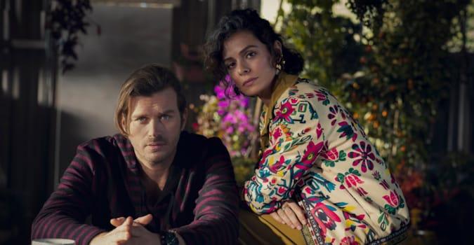 Kıvanç Tatlıtuğ ve Özge Özpirinçci'nin yer aldığı yeni Netflix dizisinden ilk görüntüler!