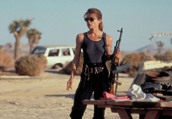 Linda Hamilton, Sarah Connor olarak geri dönüyor: Yeni Terminatör üçlemesi yolda!