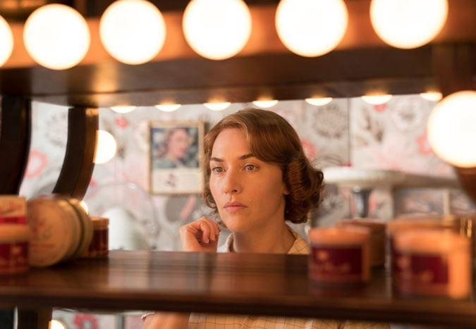 Kate Winslet'ın başrolünde yer aldığı, Woody Allen'ın yeni filmi Wonder Wheel'dan yeni görseller yayınlandı